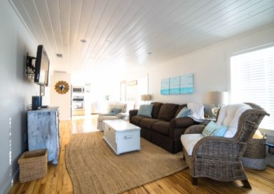 Diamonds in the Sand - Destin Vacation Rental - Carriage House Living Area