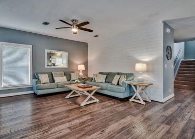 Limearita- Spacious Living Room
