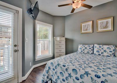 Limearita – First Floor Queen Bedroom