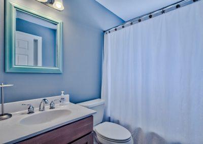 Limearita – Second Floor Bathroom