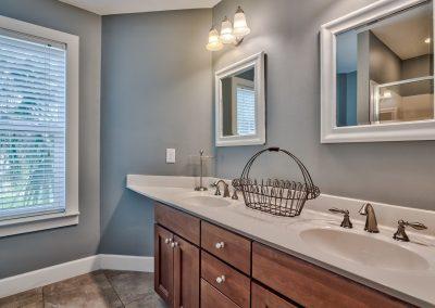 Limearita – Destin Vacation Rental Bathroom